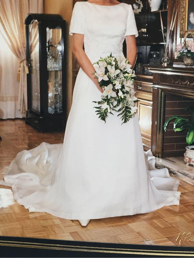 vestido de novia en crepe de seda natural de segunda mano por 399