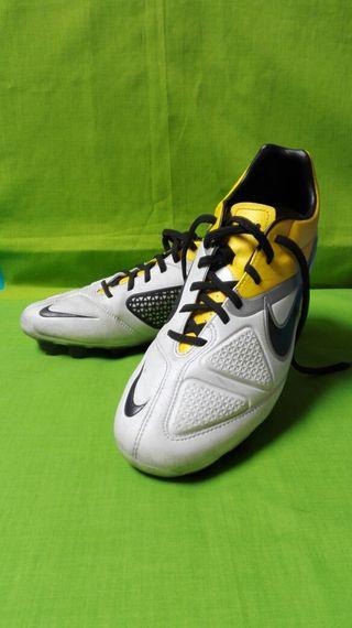 Botas de fútbol CTR 360
