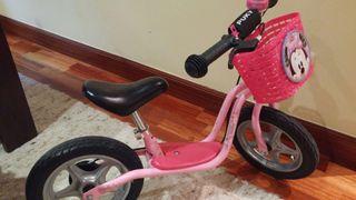 Bicicleta sin pedales PUKY con CESTA