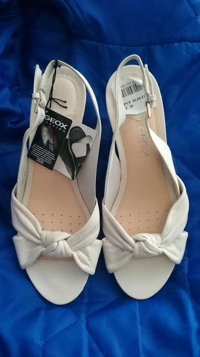 Zapatos marca geox original nuevo sin usar