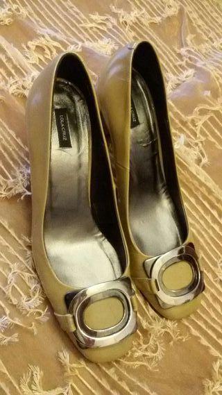 Zapato de mujer en piel beige