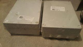 2 cajas estancas 310x240x125. Nuevas. Aun con el plastico.