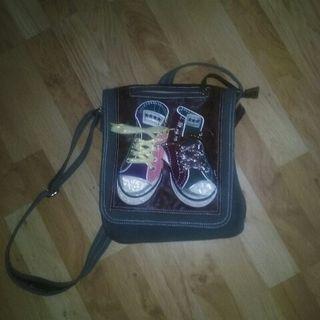 Bolso zapatillas