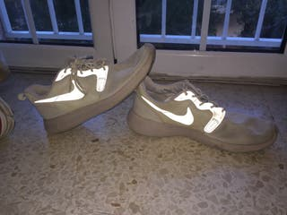 Nike Roshe Run Beige