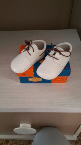 Zapatos blancos t, 18 bebe