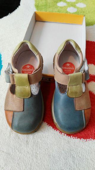 Zapato sandalia piel 23