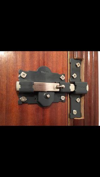 Cerrojo de seguridad puerta blindada