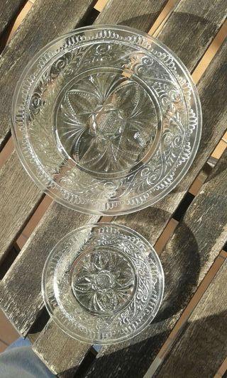 1+1 Antiguos platos de vidrio prensado