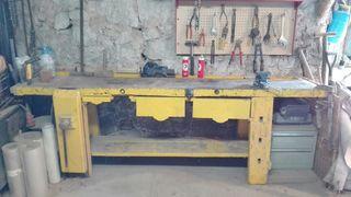 Mesa de carpinteria antigua