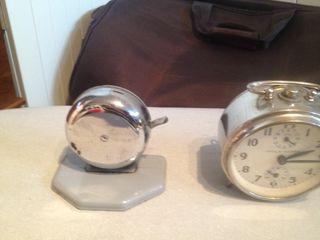 Timbre De Mostrador Y Reloj Despertador Antiguos