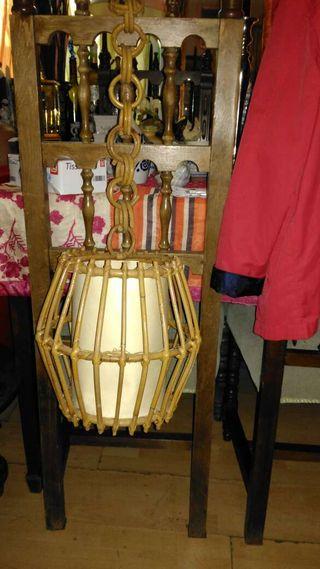 Lámpara para techo de mimbre