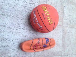 Se venden pelotas de baloncesto