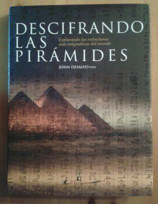 """Libro """"Descifrando las Piramides"""""""