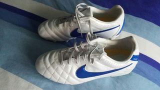Botas de futbol Nike T 38.5