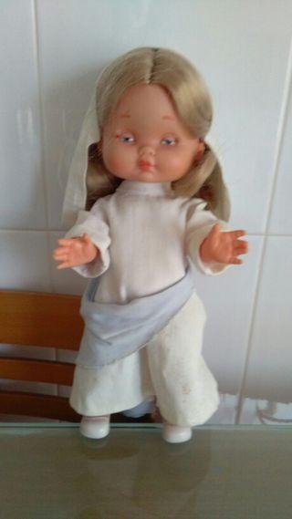Muñeca de famosa años 60