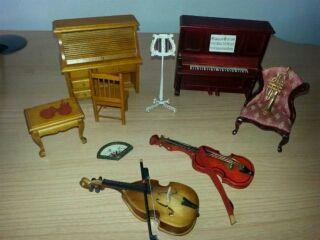 Miniaturas. Sala música