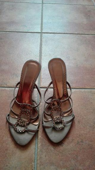 Sandalias doradas 36