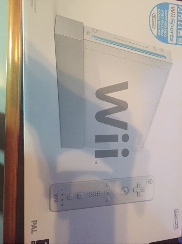 Wii+Wii Sports+Mario Kart+2 Juegos de regalo