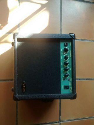 Amplificador compacto