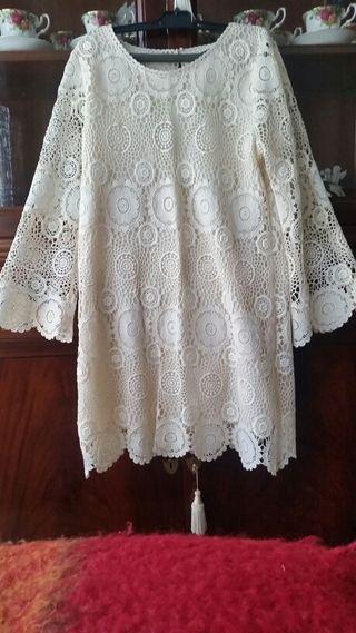 Vestido de Zara,talla L equivale a 40/42.
