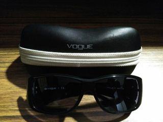 Gafas Por Mano Sol € Segunda 60 En Valencia Vogue De Óptica 9I2EDH