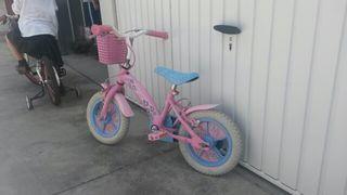 Bicicleta niña de las princesas sin ruedines aunque se pueden poner
