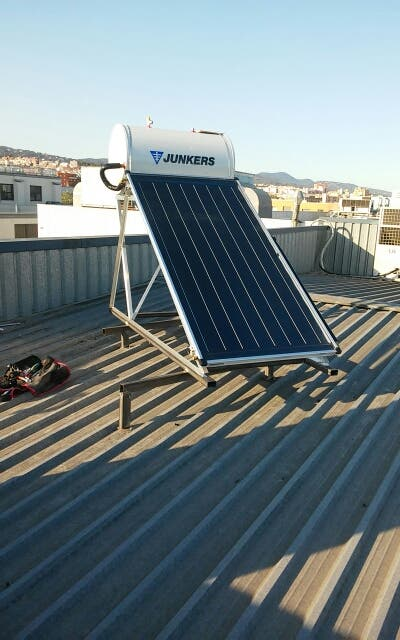 Instalador autorizado placa solar termica para acs de segunda mano en matar en wallapop - Instalador de placas solares ...