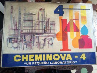 CHEMINOVA 4 pequeño laboratorio