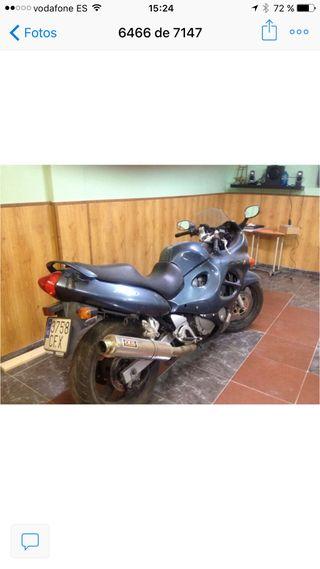 VENDO O CAMBIO Suzuki 750 GFX R POR SCOOTER