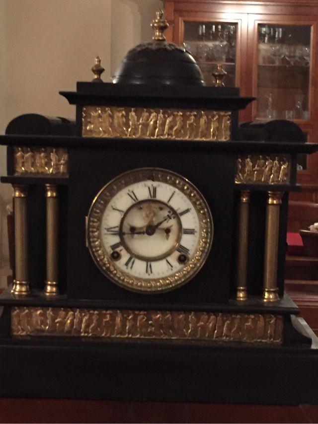Reloj ANSONIA año 1881