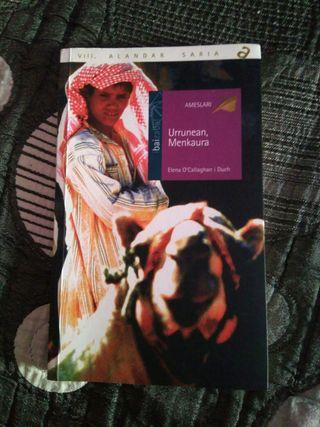 Libro Urrunean Menkaura