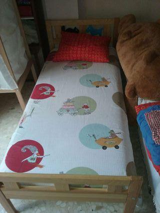 Estructura de cama + colchón latex + armario + 2 juegos de cama