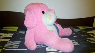 Perro peluche rosa