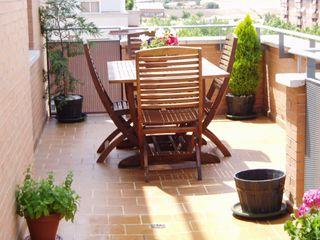 Mesa de Teka con 4 sillas