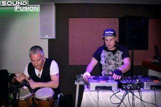 DJ + Percusionista con discomovil para tu fiesta