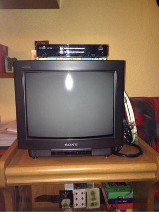 Tv + mesa + tdt