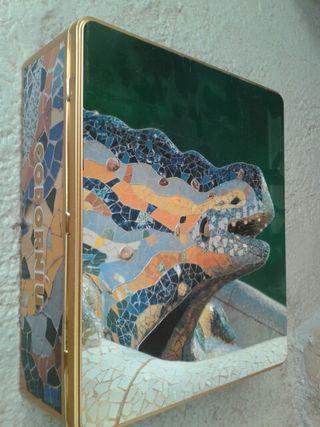 Caixa de llauna codorniu modernista Gaudí Guell