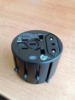 Kit Adaptador Enchufes Universal+Modulo de carga U