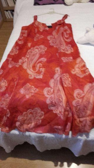 vestido nuevo sin estrenar largo de tirantes color rojo