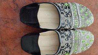sandalias hechas a mano en Marruecos