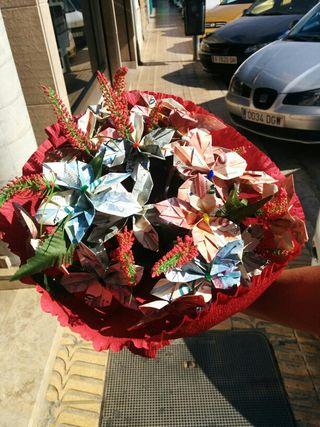 Ramos de flores de billetes