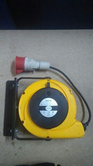 Enrrollador de cable trifasico