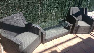 Conjunto mesa y sofás jardín.