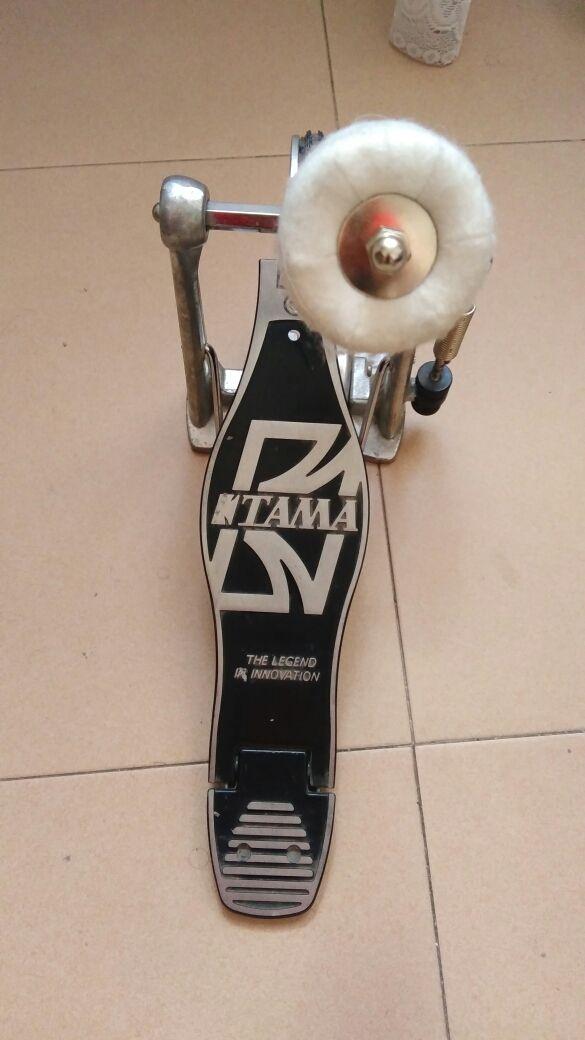 Vendo pedal TAMA Iron Cobra para bateria