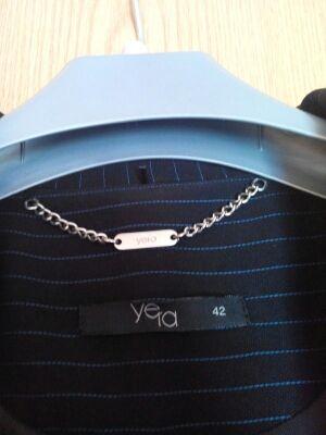Chaqueta azul de Yera. NUEVA. Talla 42