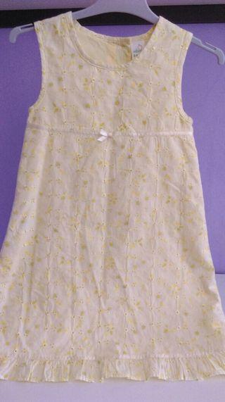 Vestido de niña talla 4-5 años
