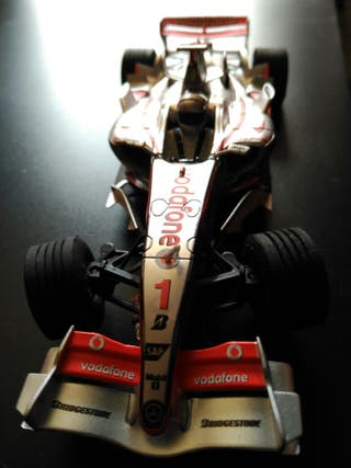 Scalextric mclaren mp4-22
