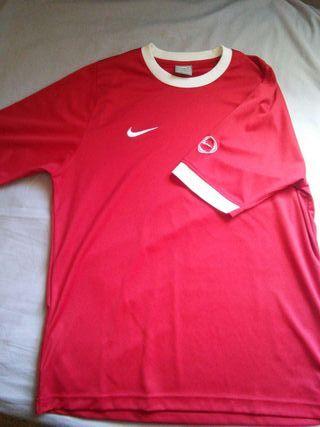 Camisetas talla S fútbol de segunda mano en Madrid en WALLAPOP 5a2331d3974