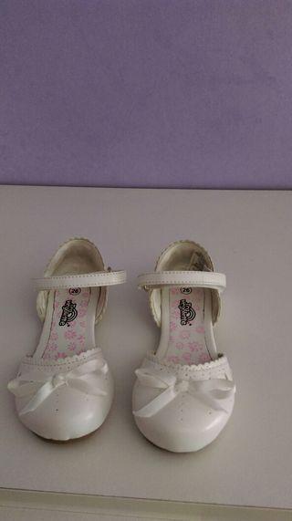 Zapatos de niña de la talla 26