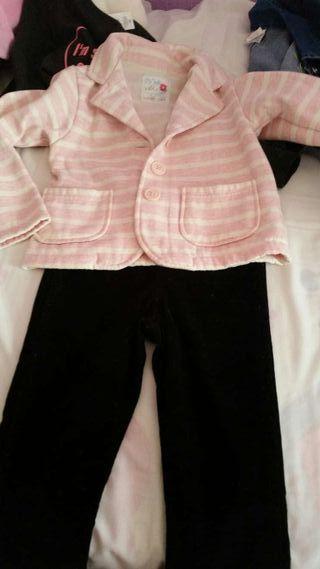 Americana algodón y pantalón pitillo negro T 5-6